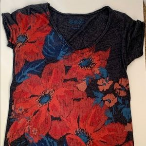 Lucky Brand blue floral tee shirt Small